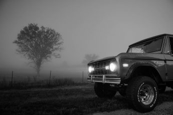 1975 Ford Bronco Sport, black and white